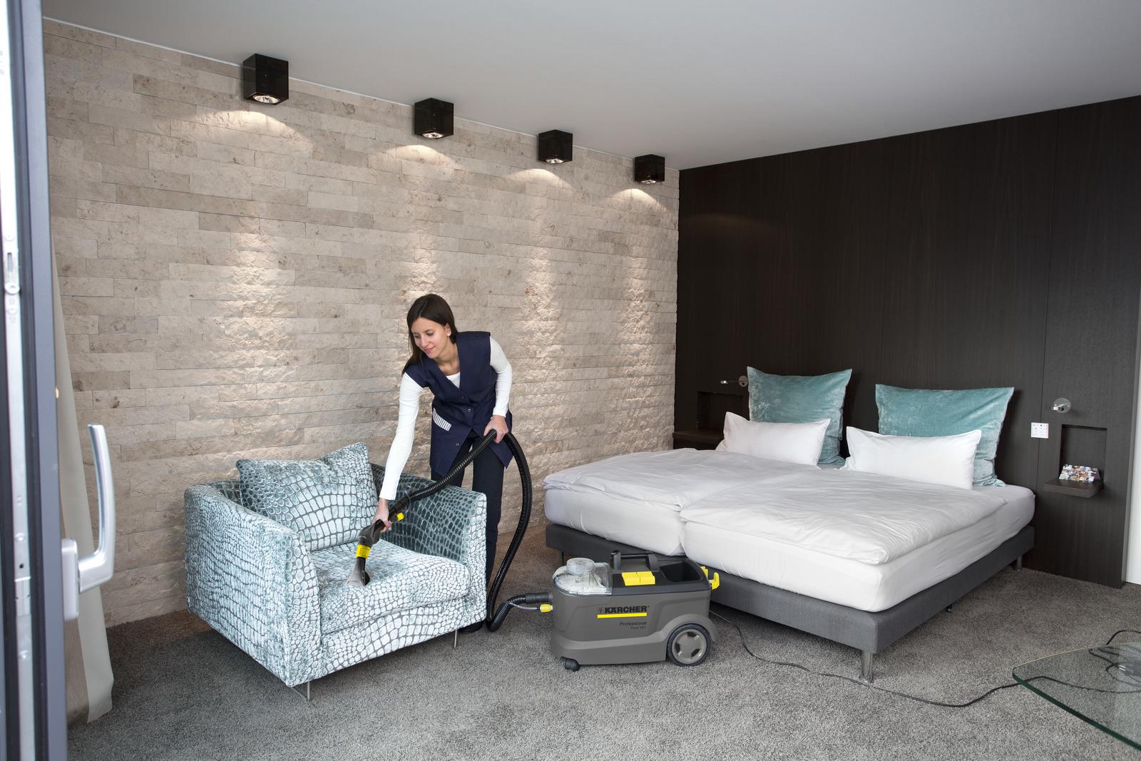 فرش و مبلشوی صنعتی مدل PUZZI 10/1 کارچر فرش شوی حرفه ای