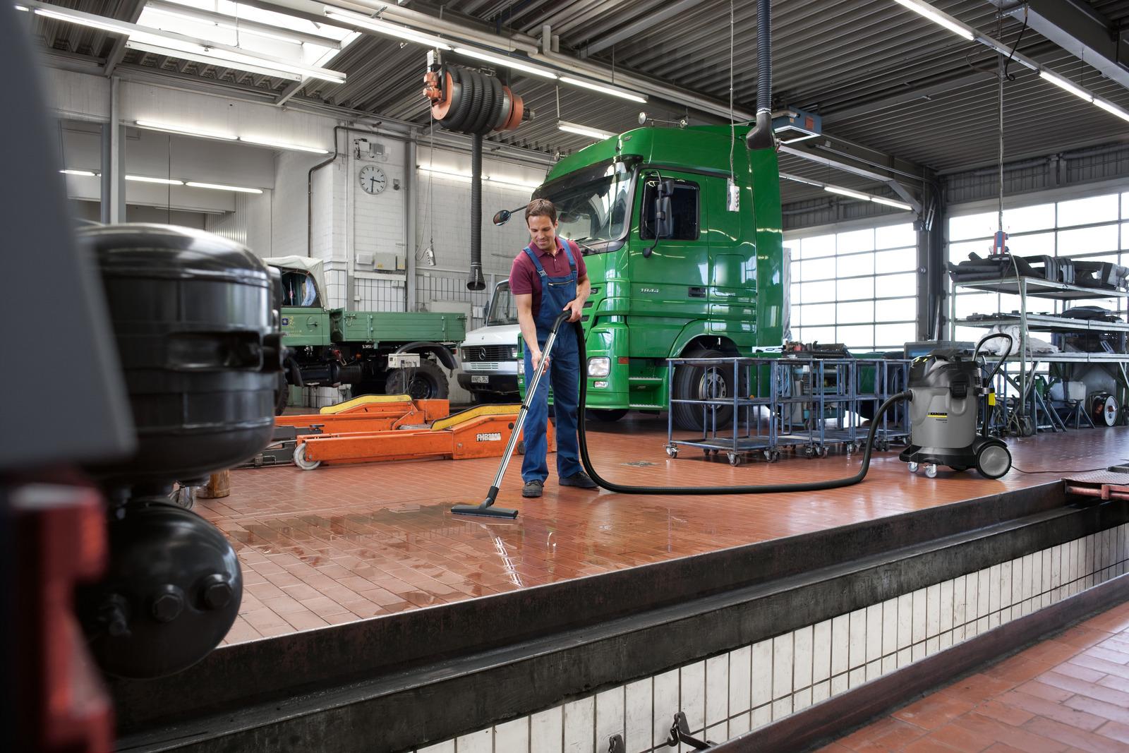 جاروبرقی سطلی صنعتی آب و خاک مدل NT 70/3 کارچر جاروبرقی اداری