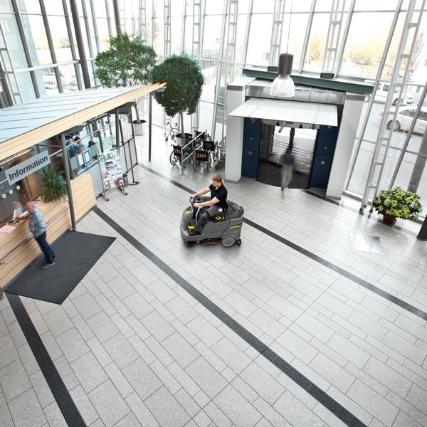 نظافت سالن انتظار فرودگاه