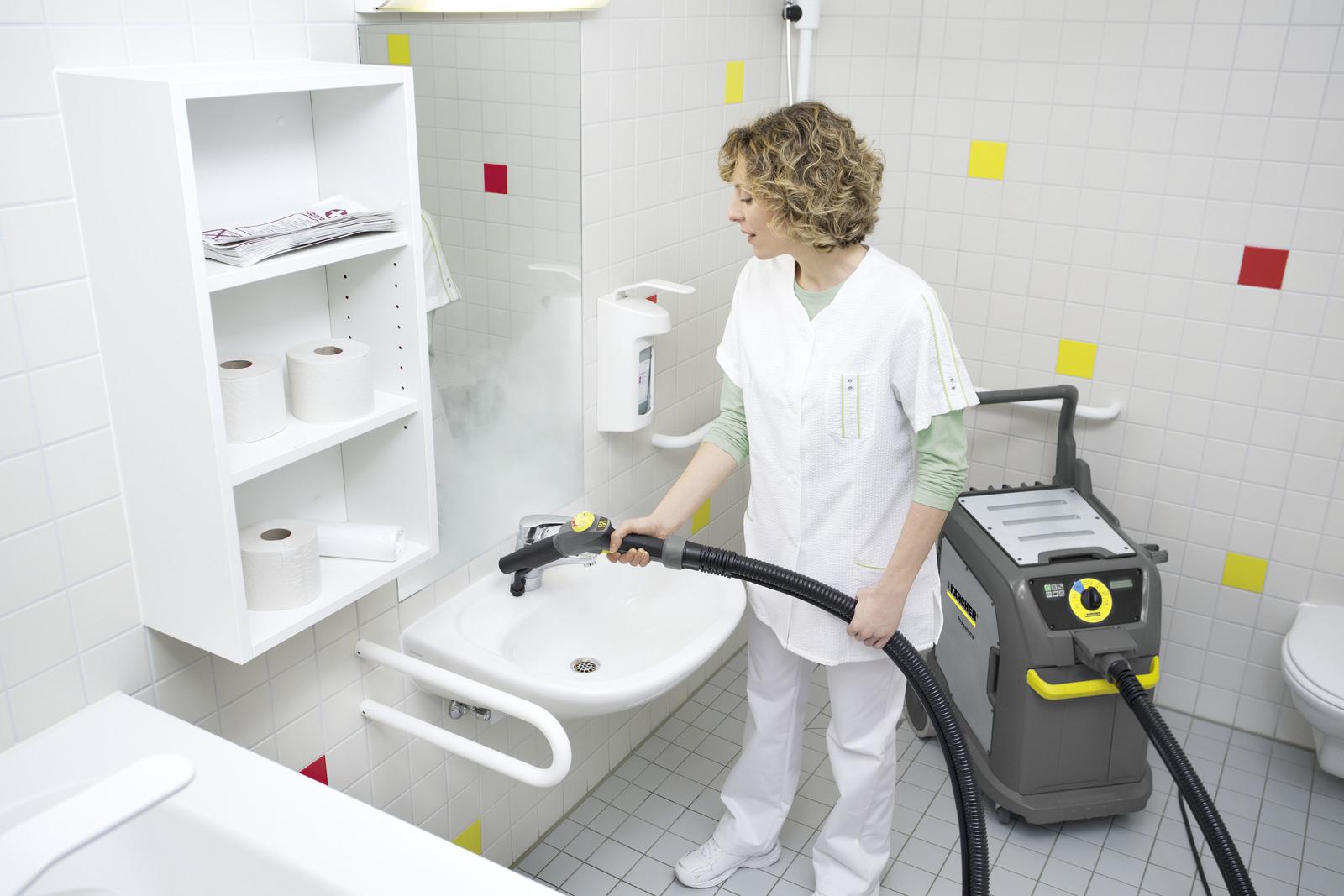 نظافت سالن ورزشی با بخارشوی